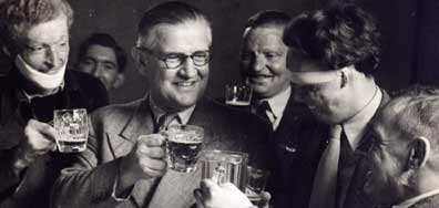 Archibald McIndoe with members of the Guinea Pig Club